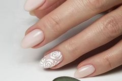 Nail-art-designs-with-flowers-19