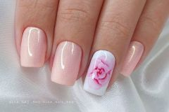 Nail-art-designs-with-flowers-5