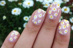 Nail-art-designs-with-flowers-35