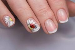 Nail-art-designs-with-flowers-36