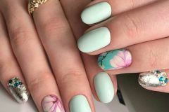 Nail-art-designs-with-flowers-90