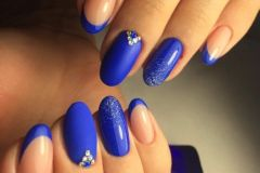 French-Nails-designs-84